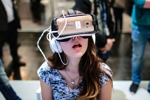Virtual Reality - Digital Playground